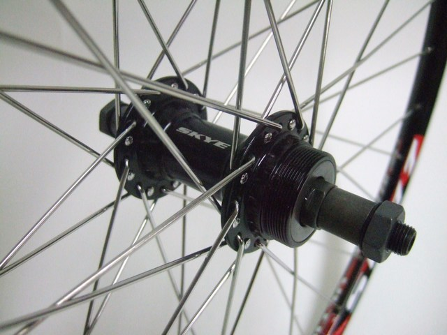 Parts 26'' Thread On Rear Hub Image