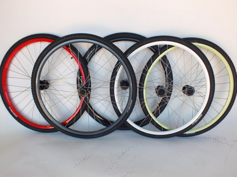 Parts 29er/700c Double Wall Disc Wheel Set With 700x40c Kenda Tires Image